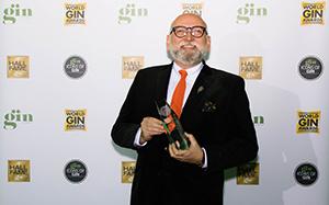 京都蒸溜所が 日本国内初の「クラフト・プロデューサー・オブ・ザ・イヤー」を受賞